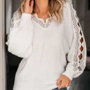 White Lace V-Neck Knit Pullover Top M